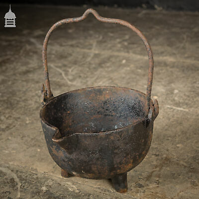 Cast Iron Cauldron Cooking Pot with Three Small Feet