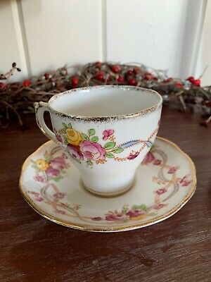 Roslyn Tea Cup & Saucer Terry English Fine China