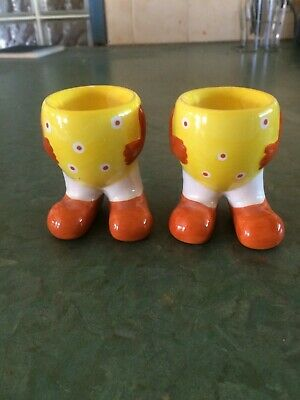 2 x Ceramic Egg Cups with Feet
