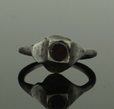 Beautiful Ancient Medieval Silver Ring With Garnet - Circa 15Th C Ad