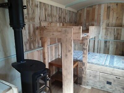 Shepherds Hut, Use as a Summer House, Office, Spare Room, Glamping B&B Let.
