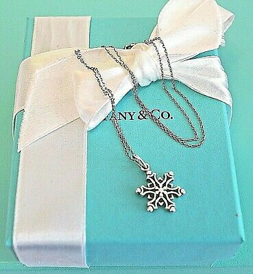 STUNNING Tiffany & Co Sterling 925 Silver Snowflake Charm Pendant Necklace RARE