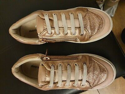 Girls  Mayoral trainers  pumps  in rose gold. Size 2