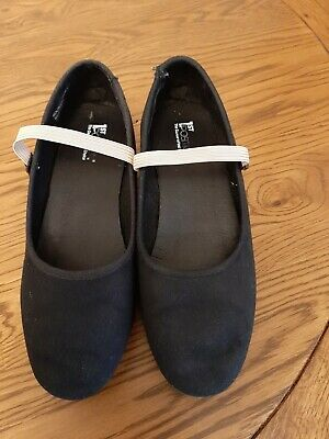 Black character shoes size 5