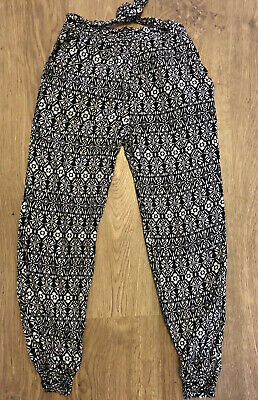 Primark Black And White Elasticated Ankle Trousers Age 7-8 Years