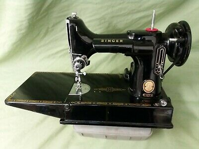 Black Vintage Singer Featherweight 221K with  case  and accessories in VGC