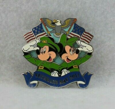 Disney Parks LE 2000 Veterans Day 2011 Pin Mickey and Minnie Mouse