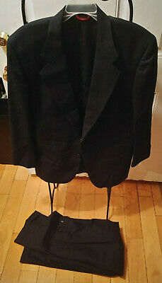 Mens 2 piece Jos A. Bank black checkered 100% Wool Suit 40 s and pleated pants
