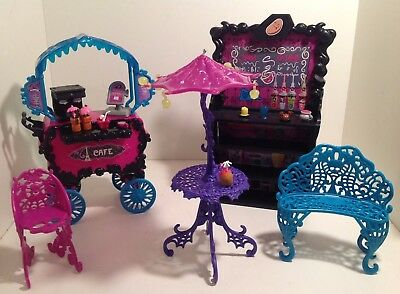 Lot MONSTER HIGH Doll Furniture SCARIS CAFE Accessories