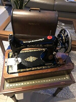 Vintage Singer Hand Crank Sewing Machine with wooden case F5851244