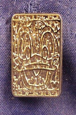 Disney DLR 2014 Hidden Mickey Character Tiki Faces Donald Duck Chaser Pin