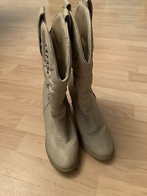 Vintage Women's White Soft Leather Studded Western Cowboy Ladies Boots Size 8.5