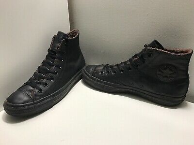 converse chuck taylor all star black fur lined Size 8