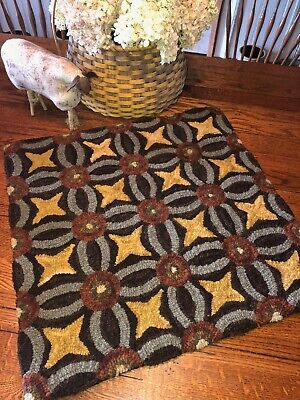 Primitive Hooked Rug Pattern On Linen ~ Kaleidoscope
