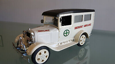 JIM BEAM A MODEL FORD AMBULACE WHISKEY DECANTER. BIG 43cm LONG. LOOKS GOOD !