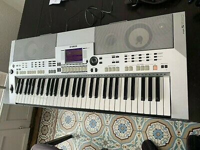 Yamaha PSR S 550 synth