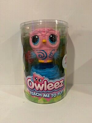 Owleez - Flying Baby Owl Interactive Toy with Lights and Sounds (Pink)