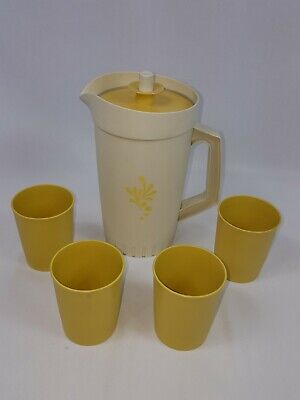 Tupperware Vintage Pitcher & 4 Cup Set Tan Taupe Yellow Glass Jug Lid