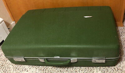 "Vintage Forecast Sears 27""x18""x7.5"" Avocado Green Suitcase Luggage RARE W/key"