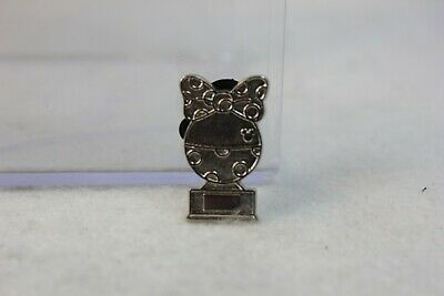 Disney DLR Hidden Mickey 2019 Pin Trophy Minnie Mouse Chaser
