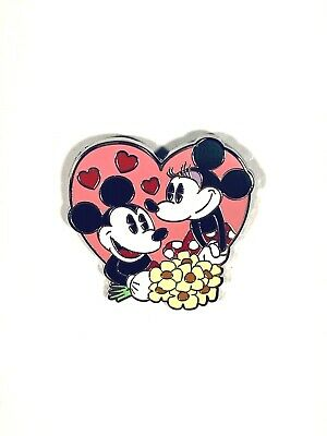 Disney Parks Couples Mystery Pin Set Mickey and Minnie Mouse Pin New