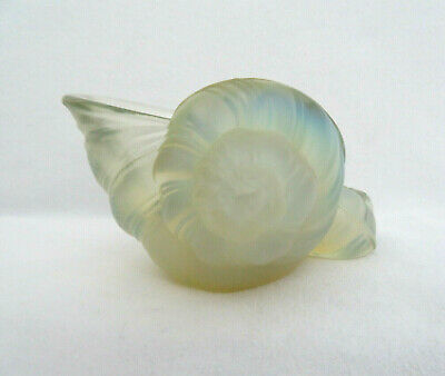 Sabino Art Glass France, Hand Signed Opalescent Seashells Figurine