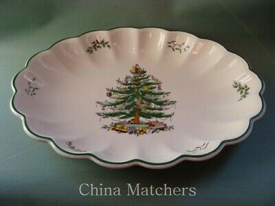 "Spode Christmas Tree 15 1/2"" Large Scalloped Platter In Excellent Condition"
