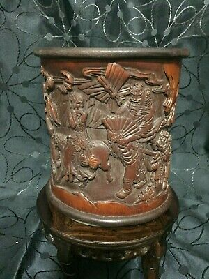 Exceptional and Early Chinese Bamboo Brush Pot, Hand Carved Decoration H: 16.5cm