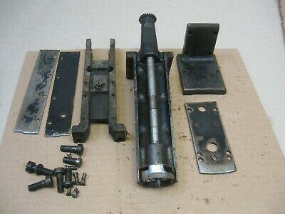 Vtg Early Singer 51W Industrial Leather Sewing Machine Parts Post Assembly