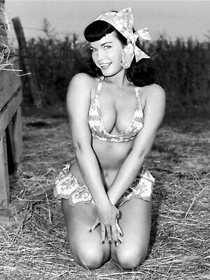 BETTIE PAGE  CHEETAH Cover on Beach 18X24 POSTER FREE SHIPPING #1016