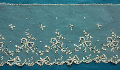 98 cms antique machine lace border - bows and ribbons
