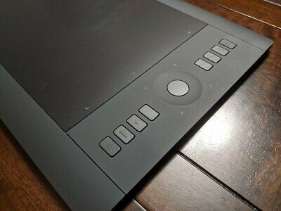 Wacom Intuos Pro Graphic Tablet (PTH651)