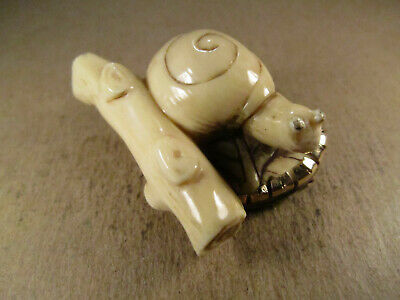 Antique Chinese Export Carved Snail 14K Gold Brooch, Signed, 24.5g