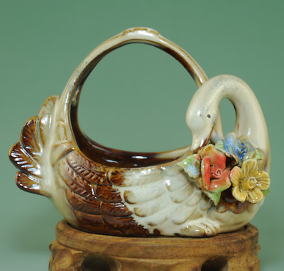 china old famille-rose porcelain hand-made Swans and flower statue Basket Ab01J