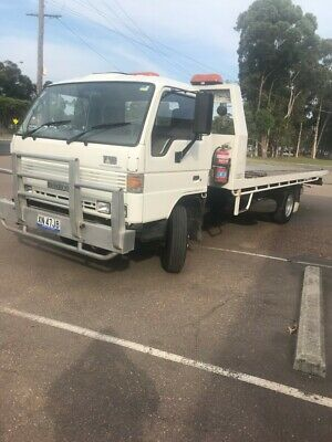Tow truck Mazda T4100