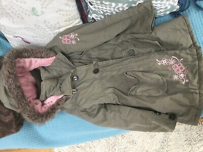 Girls winter coat, Gloss, age 12-13 years, green, with pink inner and hood