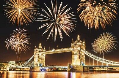 London New Years Eve Fireworks 2019 / 2020  -- BLUE AREA