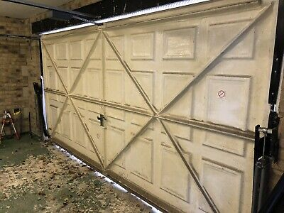 Double Garage door fibreglass  HENDERSON electric -