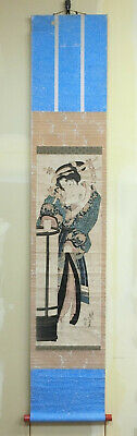 I821: Japanese hanging scroll of old wood-block print of Kimono beauty by Eisen.