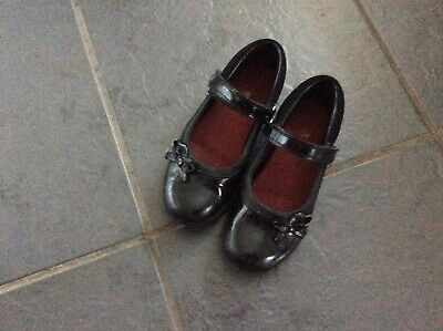 CLARKS Girls school shoes patent 12G