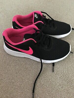 Girls Black And Pink Nike Trainers Size 3