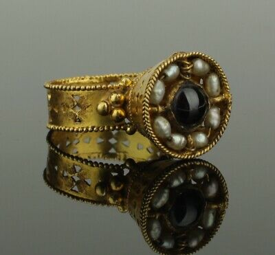 FABULOUS ANCIENT BYZANTINE GOLD & GARNET RING CIRCA - 9th/12th Century AD  (090)