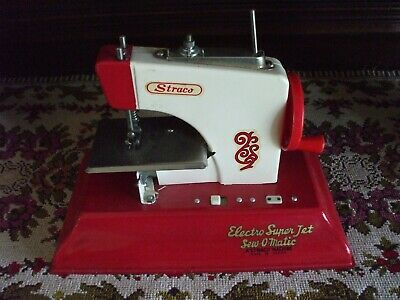 Vintage Straco Child's Sewing Machine Sew-O-Matic Battery Operated Nice Red MC