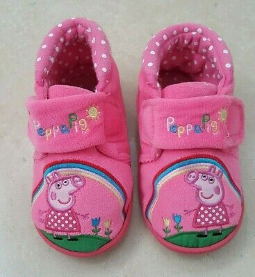 QUALITY PEPPA PIG  SLIPPERS BRAND NEW WITH TAGS SIZES 5-12 CLEARANCE