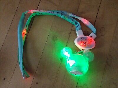 DISNEY PARKS 2019 Mickey Mouse Light Up Glow Necklace Lanyard