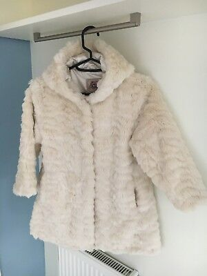 MINT COND! Gorgeous Girls White ARABELLA & ADDISON hooded Faux FUR COAT 5-6yrs