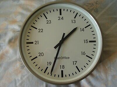 Vintage Post Office Electric Wall Clock Great Condition