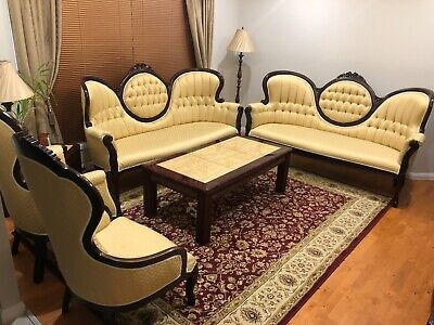 Antique / Vintage / Victorian lounge suite
