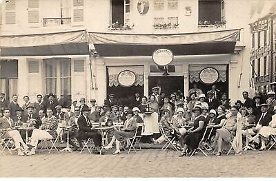 76 . n° 52428 . st valery en caux . cafe de paris. carte photo
