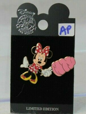 Disney DLR LE 750 Pin Concession Series Minnie with Cotton Candy AP 25661